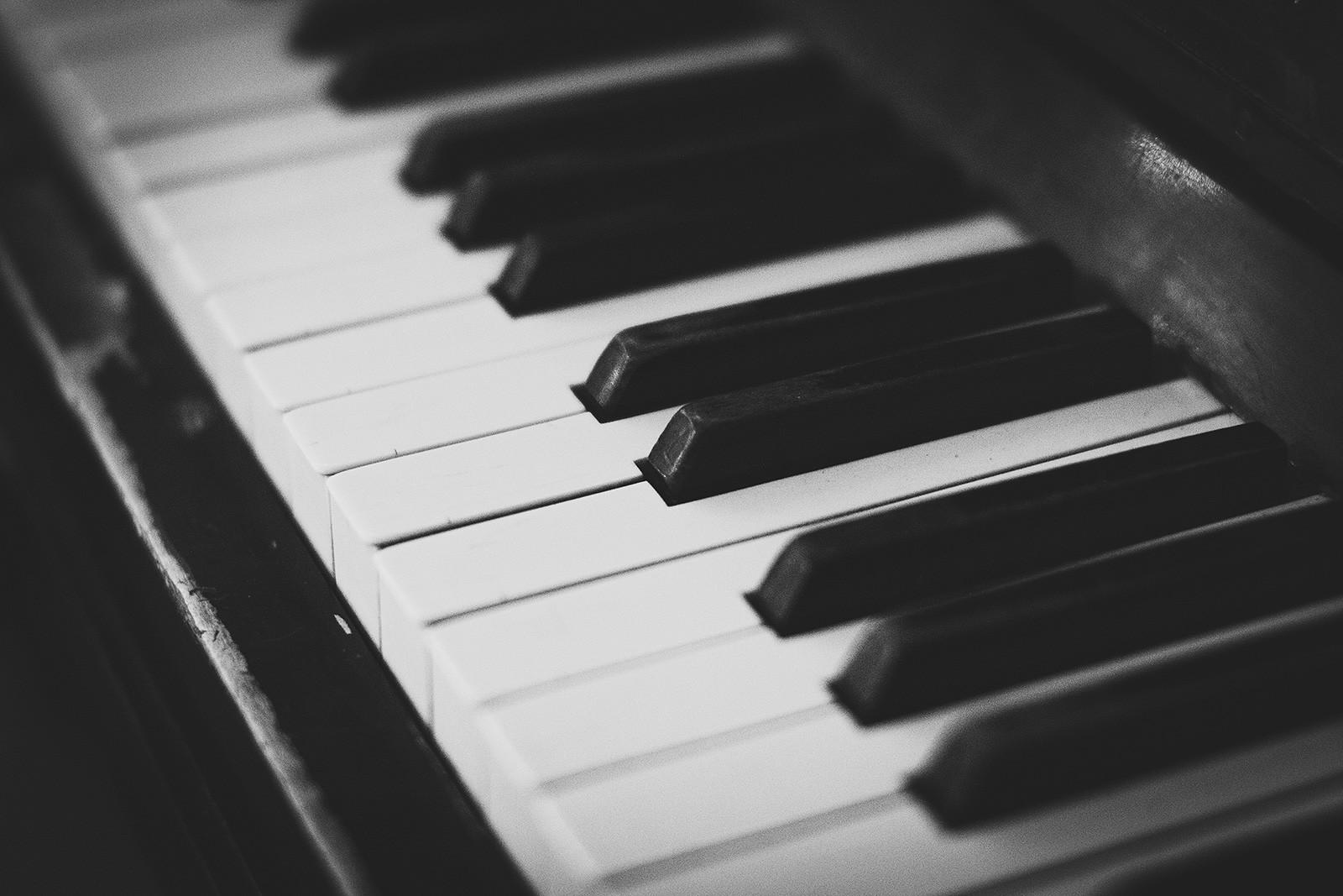 Joskus akustisen instrumentin mukaan ottaminen voi tuoda